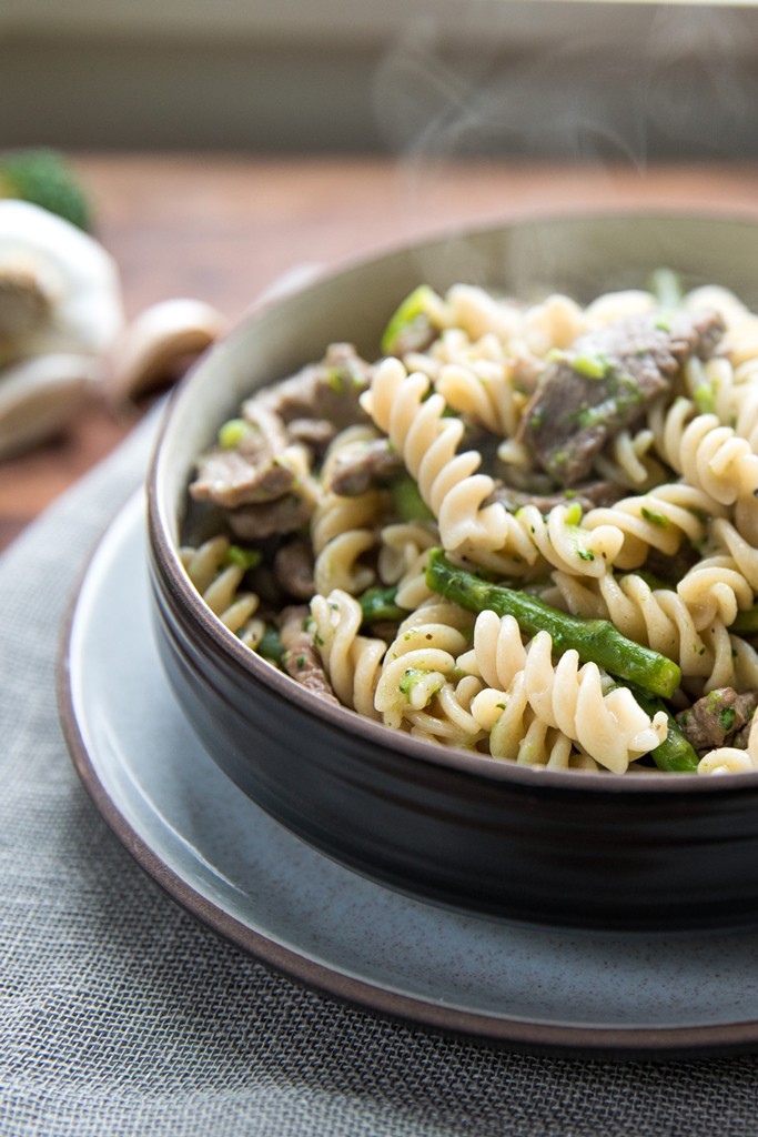 steak_asparagus_broccoli_pasta